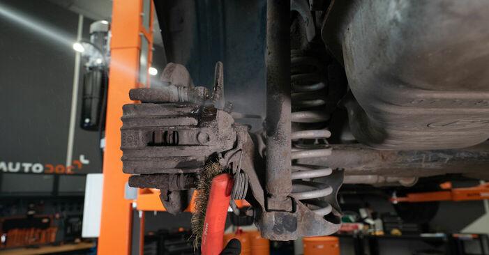 Bremsbeläge beim AUDI A3 1.8 T 2003 selber erneuern - DIY-Manual