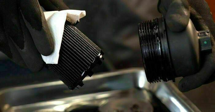 Cum schimbare Filtru ulei la Opel Corsa C 2000 - manualele în format PDF și video gratuite