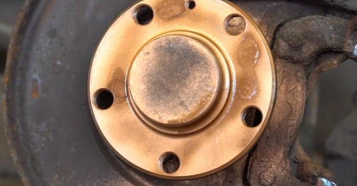 Tausch Tutorial Bremsscheiben am AUDI A3 (8L1) 2000 wechselt - Tipps und Tricks