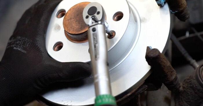Zweckdienliche Tipps zum Austausch von Bremsscheiben beim AUDI A3 (8L1) 1.6 2002