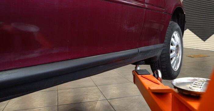 Wechseln Bremsscheiben am AUDI A3 (8L1) S3 1.8 quattro 1999 selber