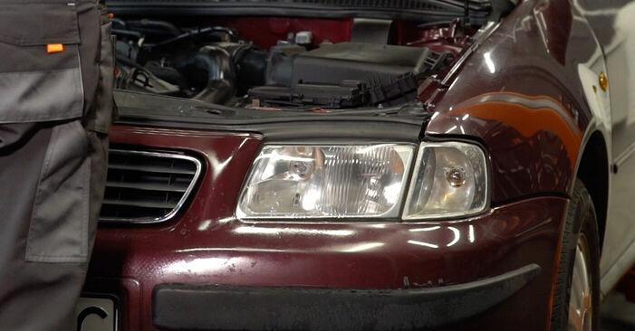 Wie man Bremsscheiben beim Audi A3 8l1 1996 wechselt - Gratis PDF- und Video-Tutorials