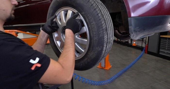 Audi A3 8l1 1.8 T 1998 Bremsscheiben wechseln: Gratis Reparaturanleitungen