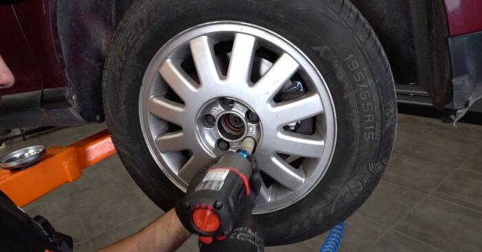Tauschen Sie Bremsscheiben beim AUDI A3 Schrägheck (8L1) S3 1.8 quattro 1999 selbst aus