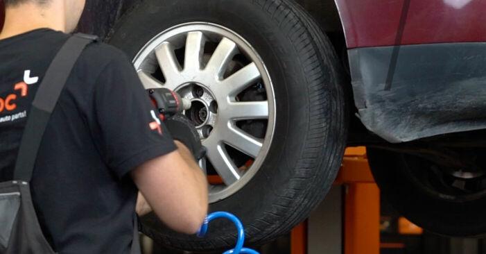 Wie man AUDI A3 1.8 2000 Bremsscheiben wechselt - Einfach nachzuvollziehende Tutorials online