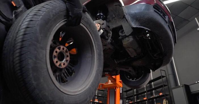 Wie man Bremsscheiben beim AUDI A3 Schrägheck (8L1) 2001 austauscht – Downloaden Sie sich PDF-Anleitungen und Video-Tutorials
