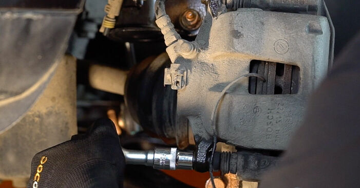 FIAT BRAVA 1.4 Brake Pads replacement: online guides and video tutorials