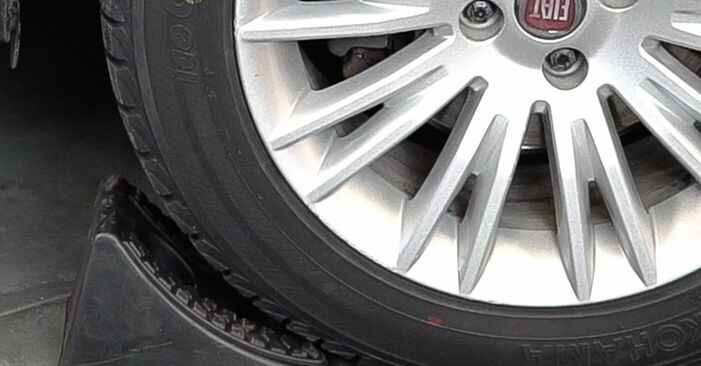 How to replace Springs on FIAT BRAVO II (198) 2011: download PDF manuals and video instructions
