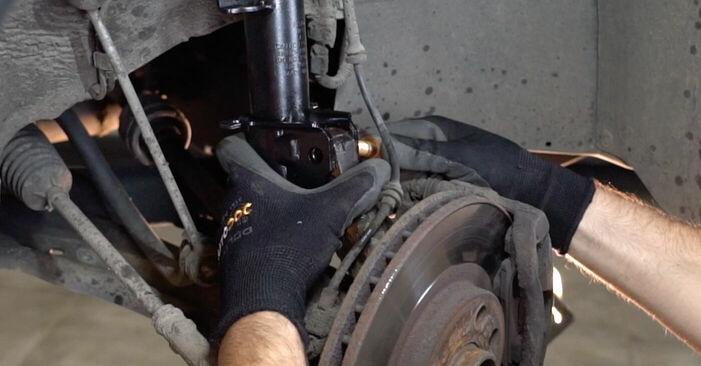 Cât de greu este să o faceți singur: înlocuirea Arc spirala la Opel Corsa C 1.7 DI (F08, F68) 2006 - descărcați ghidul ilustrat