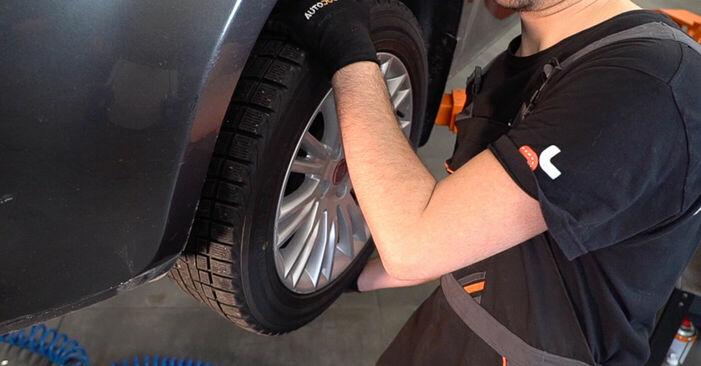 Hoe FIAT BRAVA 1.4 LPG 2010 Draagarm verwijderen – online eenvoudige instructies