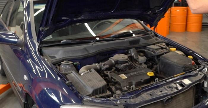 Hogyan Opel Astra g f48 1998 Fékbetét cseréje - ingyenes PDF és videó-útmutatók