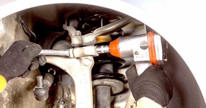 Išsamios Audi A4 b6 2003 1.6 Rato guolis keitimo rekomendacijos