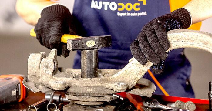 Trocar Rolamento da Roda no AUDI A4 Sedan (8E2, B6) 1.8 T 2003 por conta própria