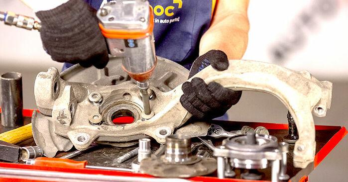Kaip pakeisti Rato guolis AUDI A4 Sedanas (8E2, B6) 2000: atsisiųskite PDF instrukciją ir vaizdo pamokas