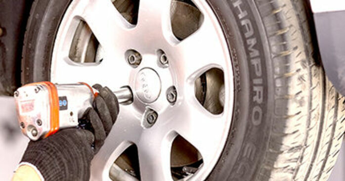 Substituindo Rolamento da Roda em Audi A4 b6 2000 1.9 TDI por si mesmo
