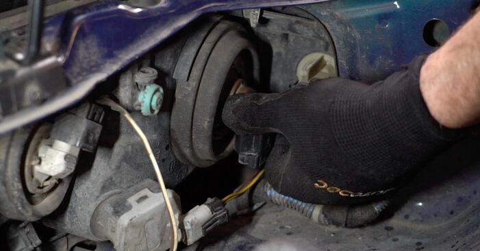 Asendades Opel Astra g f48 2008 1.6 16V (F08, F48) Esitule pirn ise