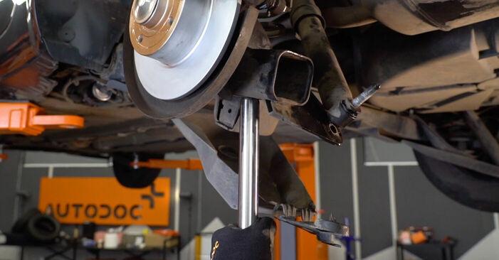 Manualul de atelier pentru înlocuirea de sine stătătoare MEGANE II limuzina (LM0/1_) 1.4 2012 Arc spirala
