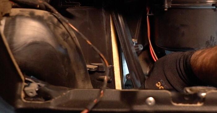 Cik grūti ir veikt Salona filtrs nomaiņu Opel Astra g f48 2.0 DI (F08, F48) 2004 - lejupielādējiet ilustrētu ceļvedi