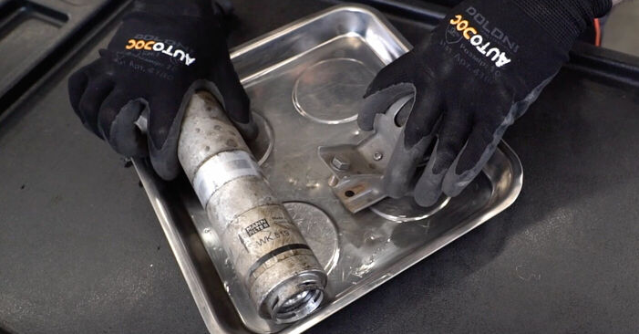 3 (E90) 325i 2.5 2007 320i 2.0 Kraftstofffilter - Handbuch zum Wechsel und der Reparatur eigenständig