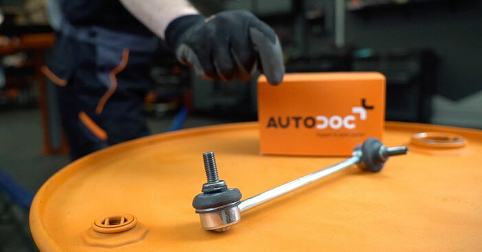Replacing Anti Roll Bar Links on Mercedes W638 Minibus 1998 112 CDI 2.2 (638.194) by yourself