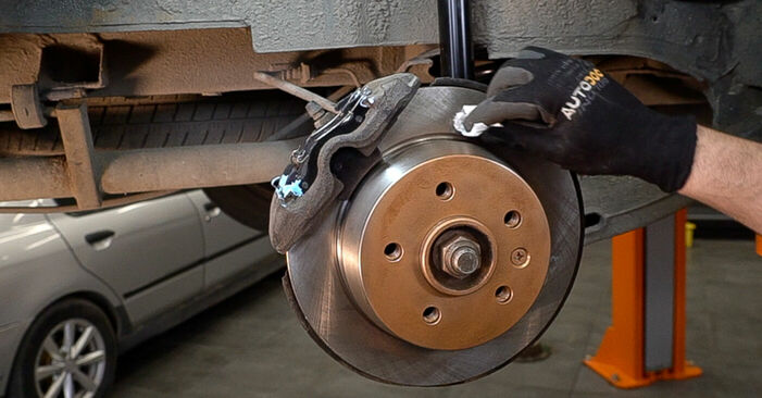 Replacing Brake Pads on Mercedes W638 Minibus 1998 112 CDI 2.2 (638.194) by yourself