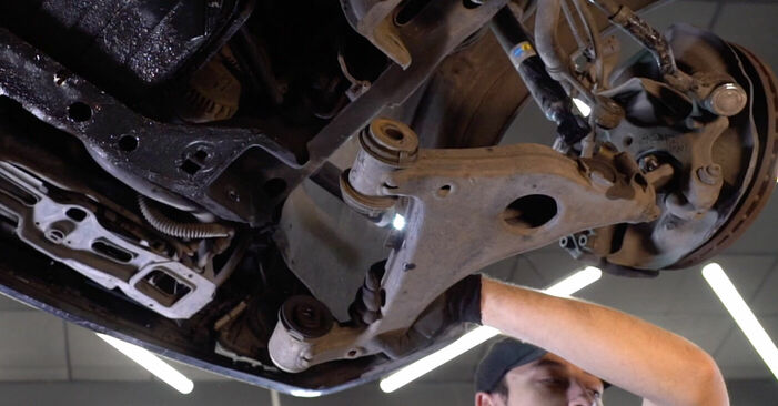 Step-by-step recommendations for DIY replacement Mercedes W210 1999 E 320 CDI 3.2 (210.026) Control Arm