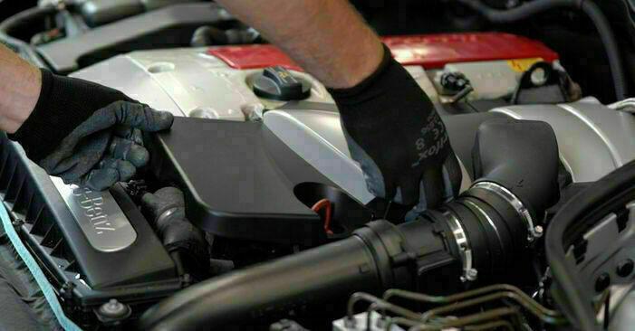Ölfilter Mercedes W203 C 220 CDI 2.2 (203.008) 2002 wechseln: Kostenlose Reparaturhandbücher