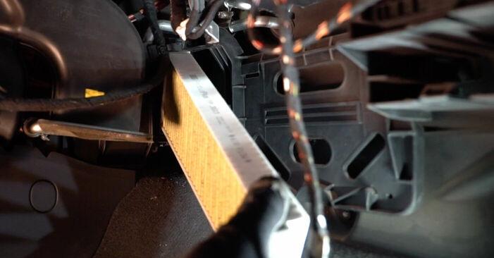 AUDI A6 2.7 TDI Innenraumfilter ausbauen: Anweisungen und Video-Tutorials online