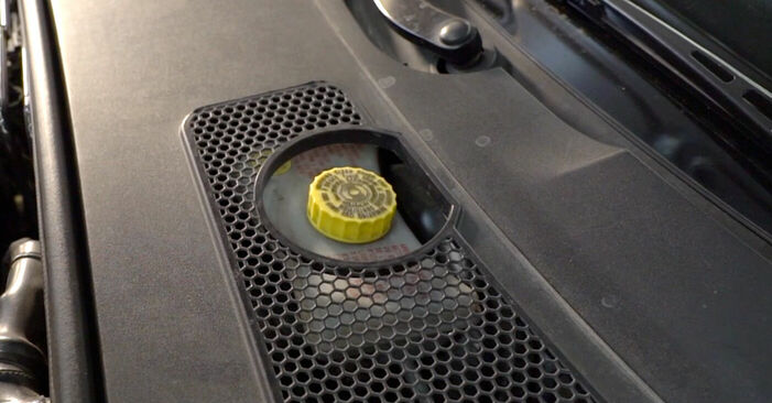 Kui keeruline on seda iseseisvalt teha: vahetada välja Audi A6 4f2 3.0 TDI quattro 2010 Piduriklotsid - laadige alla illustreeritud juhend