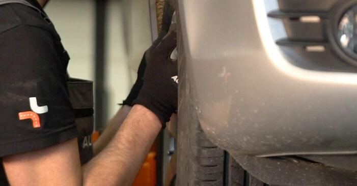 Cómo reemplazar Discos de Freno en un AUDI A6 Berlina (4F2, C6) 3.0 TDI quattro 2005 - manuales paso a paso y guías en video