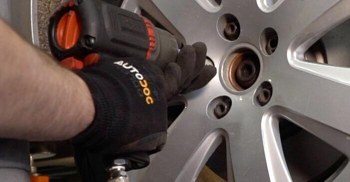 Audi A6 4f2 2.0 TDI 2006 Piduriketas vahetamine: tasuta töökoja juhendid