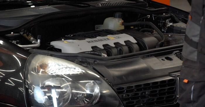 Wie Innenraumfilter Renault Clio 2 1.2 1998 tauschen - Kostenlose PDF- und Videoanleitungen