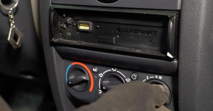 Hoe Interieurfilter Renault Clio 2 1998 vervangen – gratis pdf- en videohandleidingen
