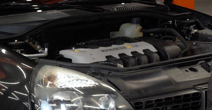 Kako zamenjati Zracni filter na Renault Clio 2 1998 - brezplačni PDF in video priročniki