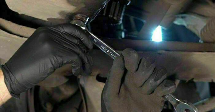 RENAULT CLIO 2005 Filtr oleju instrukcja wymiany krok po kroku
