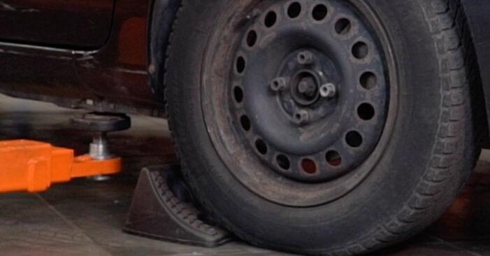 Wie Spurstangenkopf Renault Clio 2 1.2 1998 tauschen - Kostenlose PDF- und Videoanleitungen