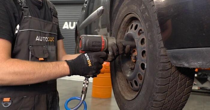 Austauschen Anleitung Spurstangenkopf am Renault Clio 2 2008 1.2 selbst