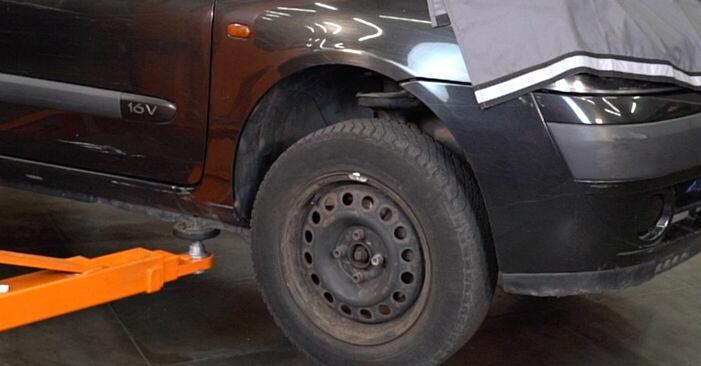 À quel point est-il difficile de le faire soi-même : télécharger le guide illustré pour le changement de Amortisseurs sur Renault Clio 2 1.6 16V 2004