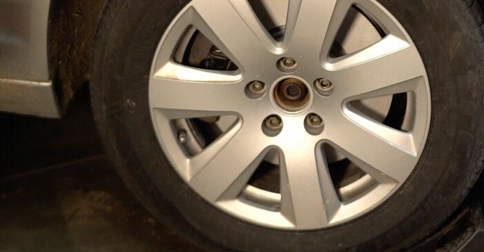 Audi A6 4f2 2.0 TDI 2006 Rattalaager vahetamine: tasuta töökoja juhendid