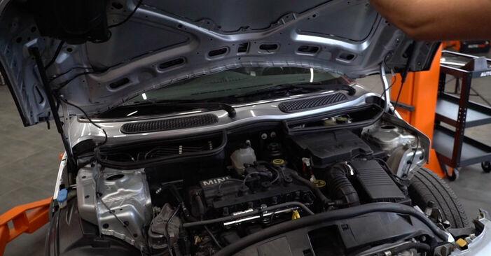 Wie Bremsscheiben MINI MINI (R50, R53) 1.6 Cooper 2001 tauschen - Kostenlose PDF- und Videoanleitungen
