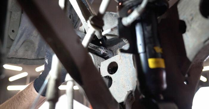 Schritt-für-Schritt-Anleitung zum selbstständigen Wechsel von MINI MINI (R50, R53) 2002 1.4 One D Bremsscheiben
