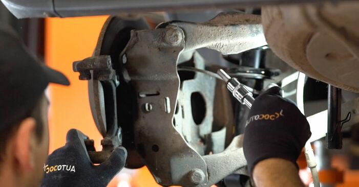 Zweckdienliche Tipps zum Austausch von Bremsscheiben beim MINI MINI (R50, R53) 1.6 Cooper S 2003