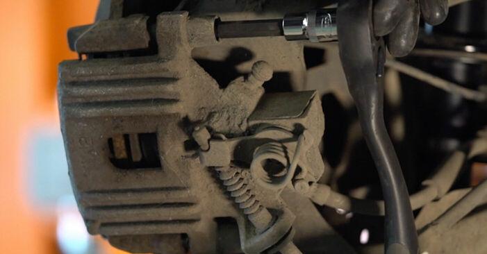 MINI MINI 1.6 Cooper Bremsbeläge ausbauen: Anweisungen und Video-Tutorials online