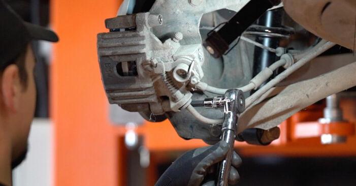 Wie Bremsbeläge MINI MINI (R50, R53) 1.6 Cooper 2001 tauschen - Kostenlose PDF- und Videoanleitungen