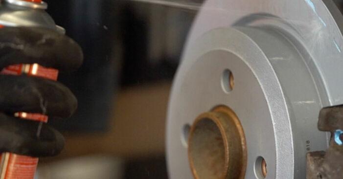 Bremsbeläge MINI MINI (R50, R53) 1.6 Cooper S 2003 wechseln: Kostenlose Reparaturhandbücher