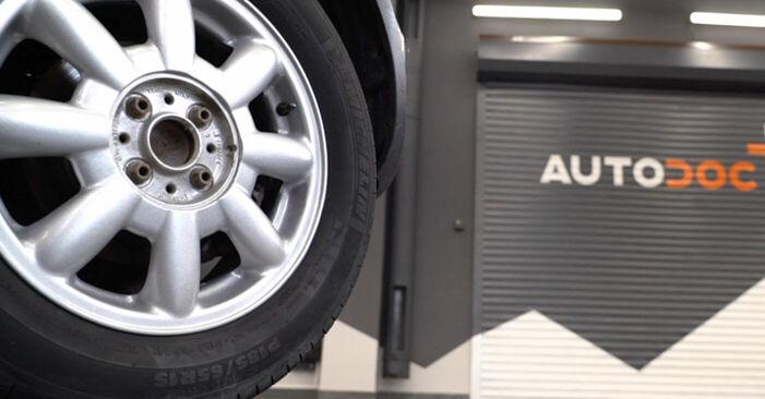 Wechseln Bremsbeläge am MINI MINI (R50, R53) 1.4 D One 2004 selber