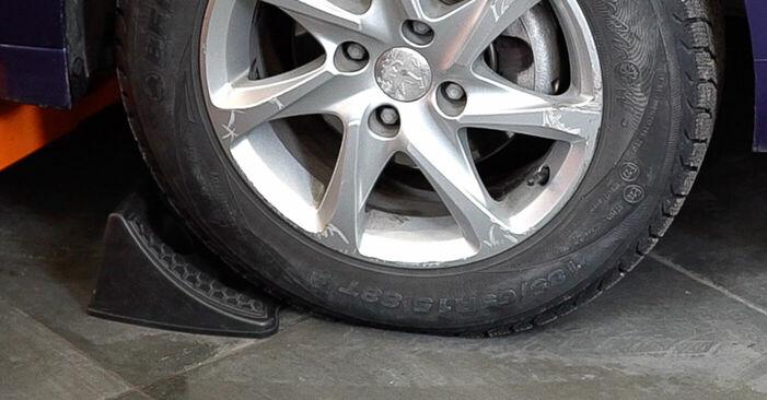 Udskiftning af Bremseskiver på PEUGEOT 208 I Hatchback (CA_, CC_) 1.6 BlueHDi 100 2015 ved gør-det-selv