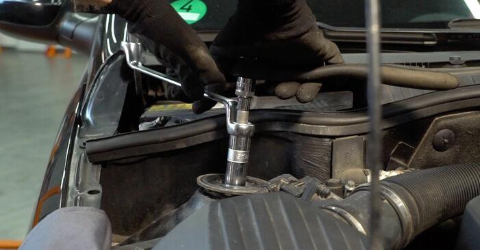 Wie schwer ist es, selbst zu reparieren: Stoßdämpfer Opel Corsa C 1.7 DI (F08, F68) 2006 Tausch - Downloaden Sie sich illustrierte Anleitungen