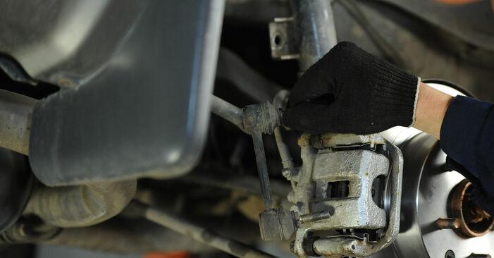 Wie schwer ist es, selbst zu reparieren: Koppelstange Nissan X Trail t30 2.2 DCi FWD 2007 Tausch - Downloaden Sie sich illustrierte Anleitungen