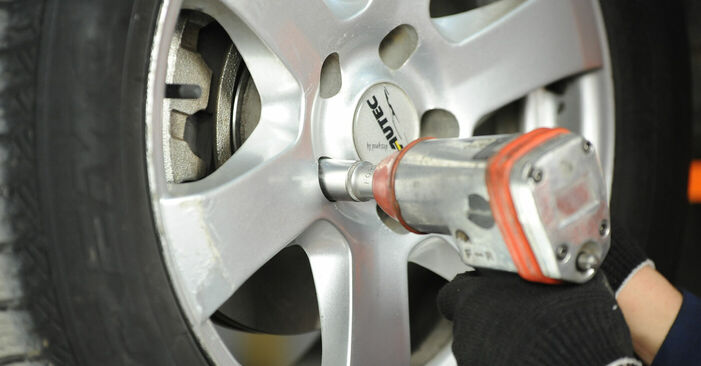 Austauschen Anleitung Bremsscheiben am Nissan X Trail t30 2011 2.2 dCi 4x4 selbst